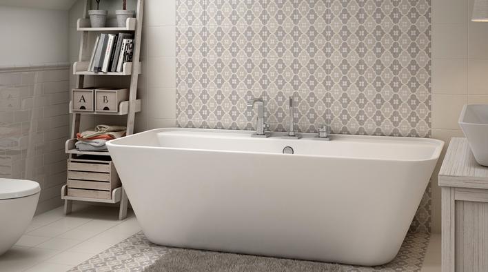 Baño con bañera y baldosas hidráulicas