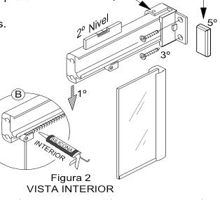 Figura explicativa de la instalación del perfil superior