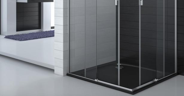 Plato de ducha plano con mampara minimalista