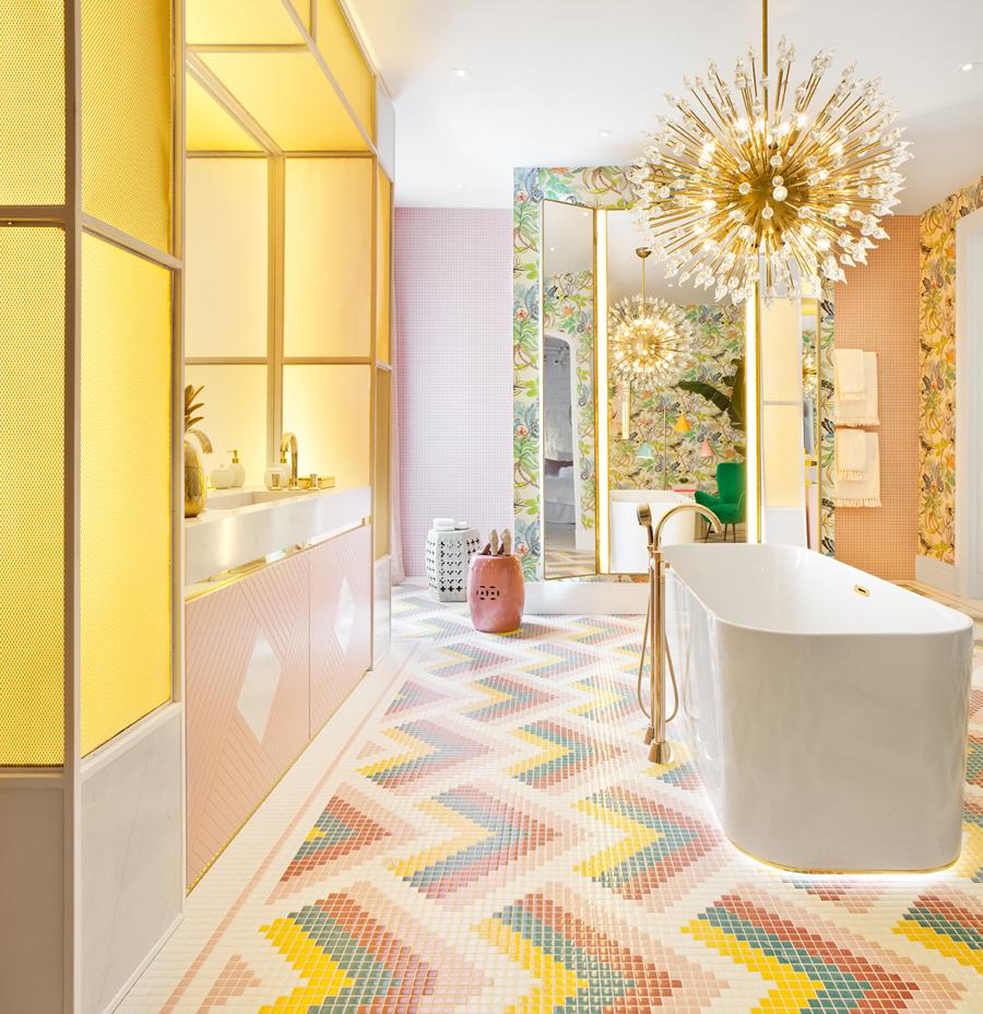 baño colorido de Nuria Alía para Casa Decor 2017