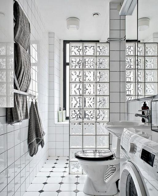 Pros y contras de las mamparas de ducha de obra o pavés